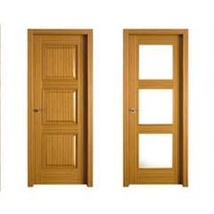 Puertas blindadas a medida con cristal de seguridad.: Ventanas de estilo  de R&T Construct