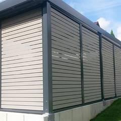 WPC Elemente in Farbe grano: klassische Garage & Schuppen von ESB-Fertiggaragen und Carports