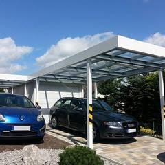 Carport mit Plexiglasdach: klassische Garage & Schuppen von ESB-Fertiggaragen und Carports
