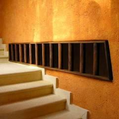 Vista de Escalera: Pasillos y recibidores de estilo  por ARQUELIGE