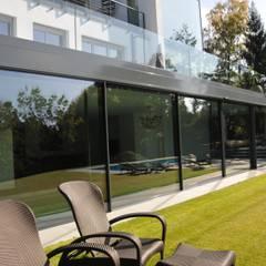 Schwimmhalle:  Fenster von Metallbau Beilmann GmbH