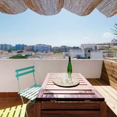 mesa terraza: Terrazas de estilo  de LF24 Arquitectura Interiorismo