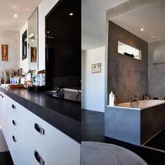 Loft Privé : Salle de bains de style  par Elbaz Architecture