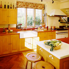 Barton Manor oak kitchen designed and made by Tim Wood:  Kitchen by Tim Wood Limited