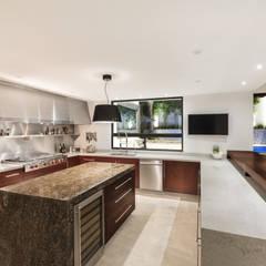 Cocina: Cocinas de estilo  por Juan Luis Fernández Arquitecto