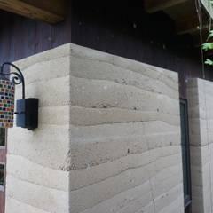 جدران تنفيذ 虎設計工房