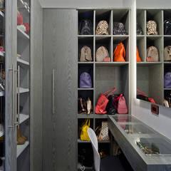 Dressing room by HO arquitectura de interiores