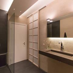 Baddisigne, Asiatiasch Touch:  Badezimmer von Ulrich holz -Baddesign