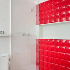 Ana Adriano Design de Interiores Kamar Mandi Modern Red