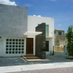 Yuriria: Casas de estilo  por SANTIAGO PARDO ARQUITECTO, Moderno