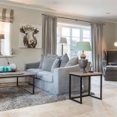 Ferienhaus in List: landhausstil Wohnzimmer von Immofoto-Sylt