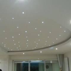 PLAFOND / intérieur : Hôtels de style  par BELON-DESIGN