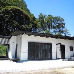 全景: 青戸信雄建築研究所が手掛けた会議・展示施設です。