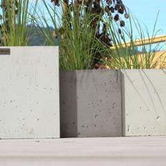 Donice betonowe: styl , w kategorii Ogród zaprojektowany przez Bettoni,
