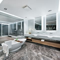 Magazine editorial - House in Sai Kung by Millimeter:  Bathroom by Millimeter Interior Design Limited