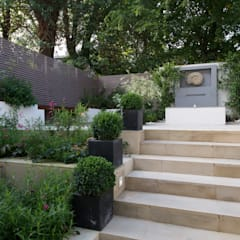 Hampstead Family Home, London:  Garden by DDWH Architects