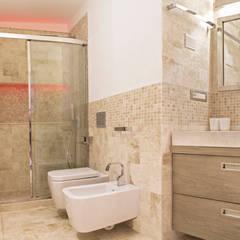 ห้องน้ำ โดย Architetti Porto Cervo,