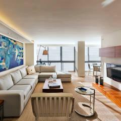 Sala de estar: Salas de estilo  por Weber Arquitectos