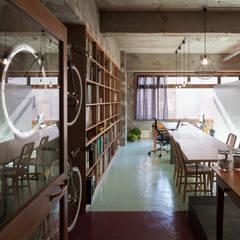 千葉の事務所 コンバージョン: Smart Running一級建築士事務所が手掛けた書斎です。