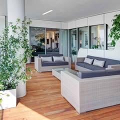 External Terrace : Terrazza in stile  di Studio Marco Piva