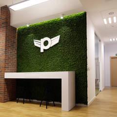 BIura Pilot: styl , w kategorii Pokój multimedialny zaprojektowany przez Zolnik Pracownia