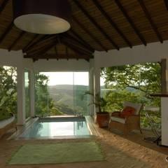 Casa de campo - Cunha - São Paulo - Brasil: Spas rústicos por Carmen Saraiva Arquitetura