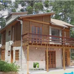 Fachada rústica: Casas campestres por Moradaverde Arquitetura