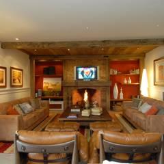 غرفة المعيشة تنفيذ Finkelstein Arquitetos