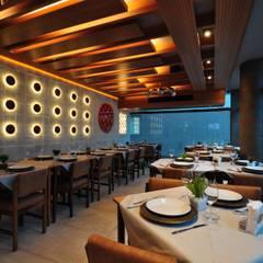 Bar & Klub  oleh Guido Iluminação e Design, Modern
