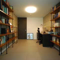 Estudios y oficinas de estilo  por (주)바오미다