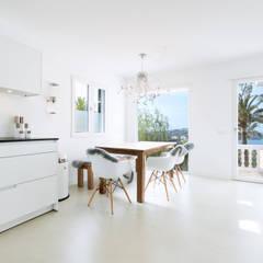آشپزخانه by ISLABAU constructora