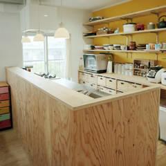 The house which grows up with kids: AIDAHO Inc.が手掛けたキッチンです。