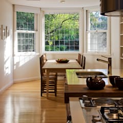 Casa en la Barranca · San Isidro, Buenos Aires · Paula Herrero | Arquitectura Cocinas modernas: Ideas, imágenes y decoración de Paula Herrero | Arquitectura Moderno