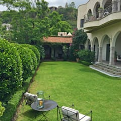 Jardin Principal: Jardines de estilo  por Terra, Clásico