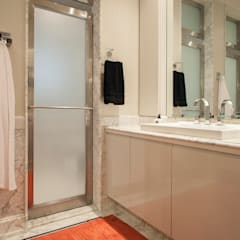 Banheiro Casal : Banheiros  por Deborah Basso Arquitetura&Interiores
