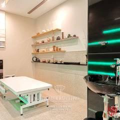 Фото интерьера кабинета в клинике китайской медицины: Кабинеты врачей в . Автор – Студия дизайна интерьера Руслана и Марии Грин