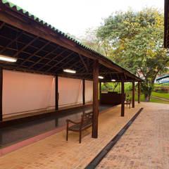 Casa de Campo Cabreúva: Spas  por Cactus Arquitetura e Urbanismo