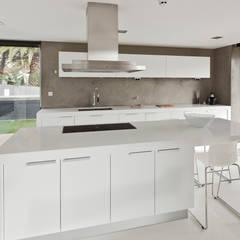 ห้องครัว by Areacor, Projectos e Interiores Lda