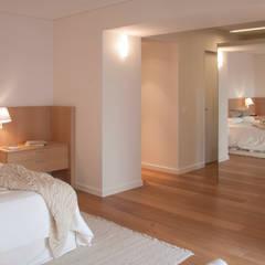 Piso en Palermo · Paula Herrero | Arquitectura: Dormitorios de estilo  por Paula Herrero | Arquitectura