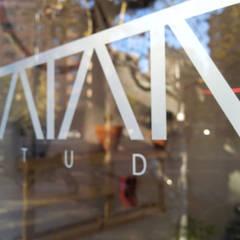 TATAMI STUDIO : Estudios y despachos de estilo  de Bloomint design