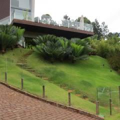 حديقة تنفيذ Junia Lobo Paisagismo,