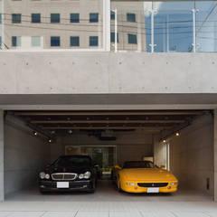Dubbele garage door K2・PLAN 株式会社本多建築設計事務所