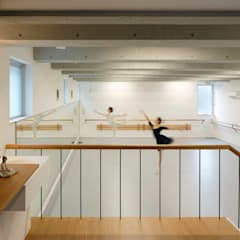 三鷹の家: 向山建築設計事務所が手掛けたホームジムです。
