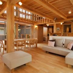Modern living room by shu建築設計事務所 Modern Wood Wood effect