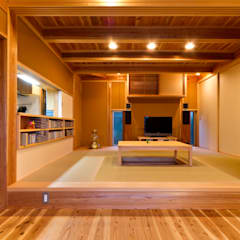 Living room by shu建築設計事務所, Asian Wood Wood effect