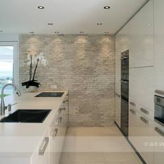 مطبخ تنفيذ Go Interiors GmbH , حداثي