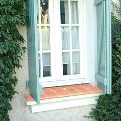 Fensterbank aus Ton:  Fenster von Rimini Baustoffe GmbH