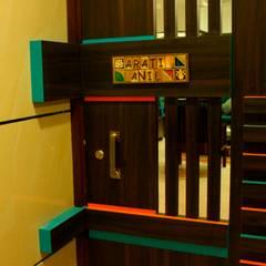 Residence at Raheja, Powai:  Corridor & hallway by JRarchitects