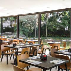 Restaurante Japonês - Clube Pinheiros: Cozinhas  por Nórea De Vitto e Beto Galvez Interiores
