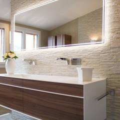 Umbau EFH Buchrain:  Badezimmer von MALMENDIER Innenarchitektur